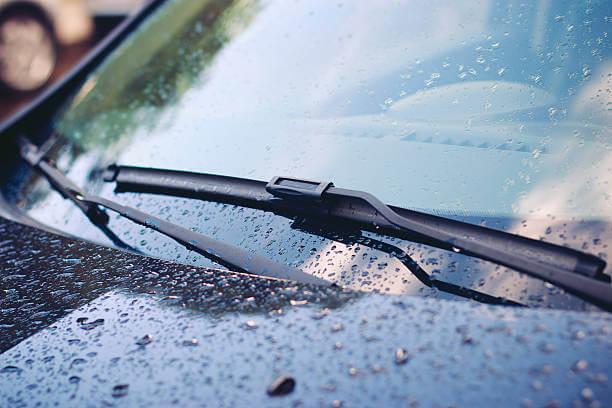 499022942-1 5 อ็อพชั่น ช่วยให้ขับรถปลอดภัย ในหน้าฝน