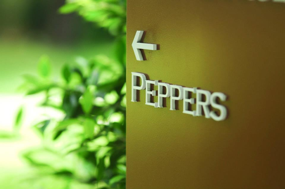 181452_431591976862510_1858042744_n ดินเนอร์กับคนพิเศษกันที่ Peppers Restaurant